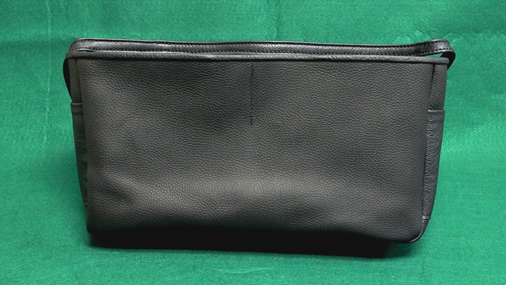 STREET POUCH by The Ambitious Card